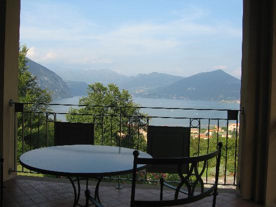 Romantik Hotel Relais Mirabella Iseo: View from room