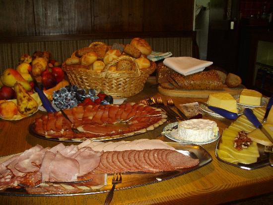 Gasthof Alpenhof: buffet petit déjeuner