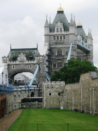 London, UK: Tower Bridge