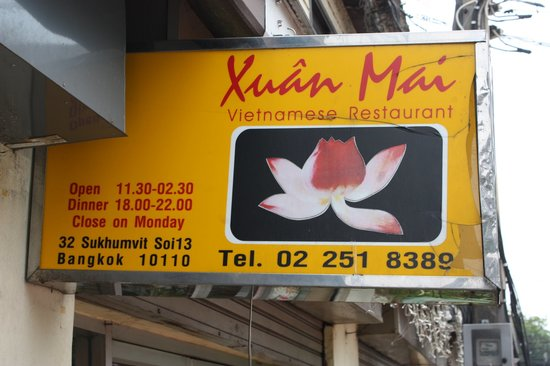 Xuan Mai Restaurant: Sign