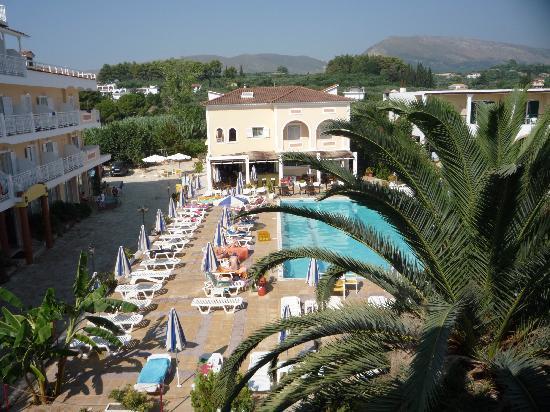 Ionis Art Hotel: nice pool