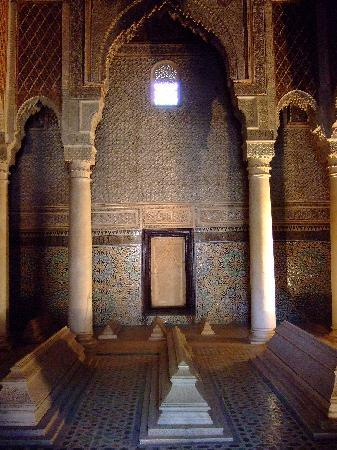 Riad Assala: Saadian Tombs