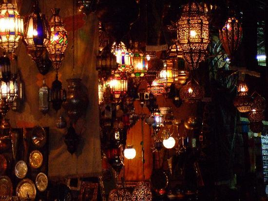 Riad Assala: Lantern shop in the souk