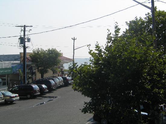 """Beach View Motel: The so called """"Beach View"""""""
