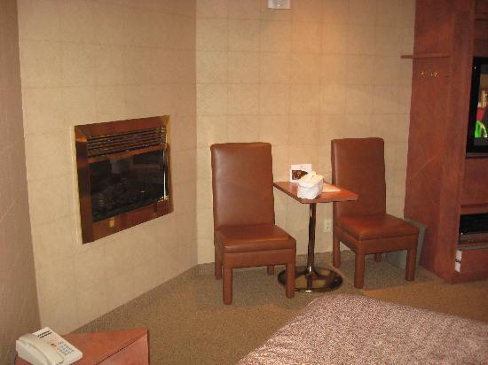 Le Fabreville Motel et Suites : foyer