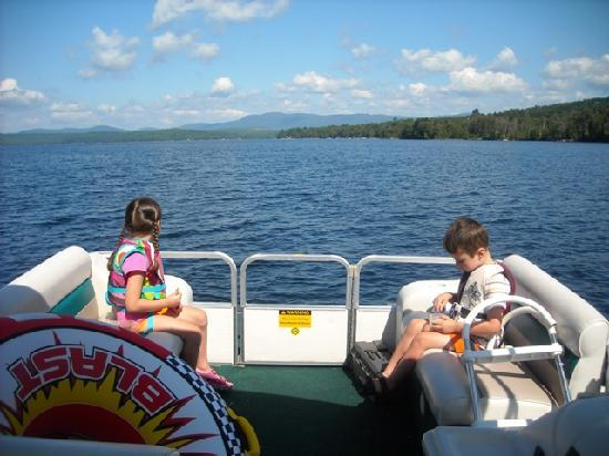 Oquossic Cove Marina boat rental Rangeley Lake
