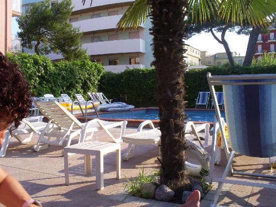 Hotel D'annunzio: Hotel pool