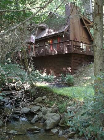 Uncle Bud's Log Cabins: Cozy Creek Cabin