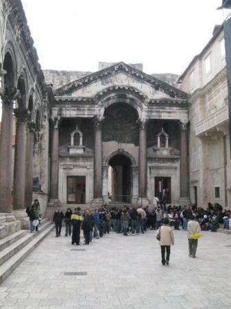 มหาวิหารและหอระฆังเซนต์ดอมนิอุส: Split