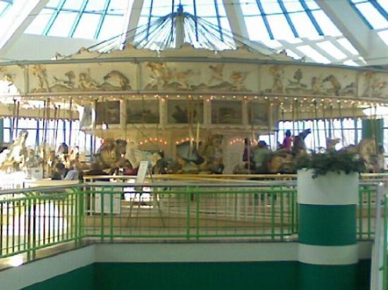 Siracusa, Estado de Nueva York: The Carousel