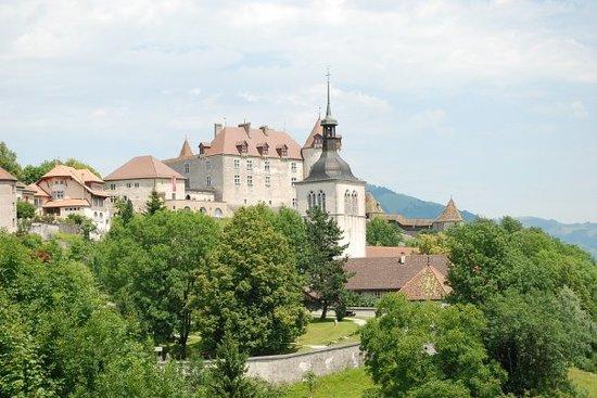 Castillo de Gruyères: Medeltidsstaden Gruyeres 800 m över havet i Schweiziska alperna nära Frankrike.