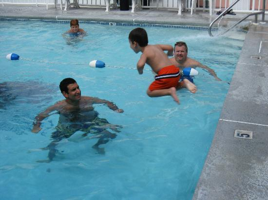 Riviera Resort & Suites: Banzai!
