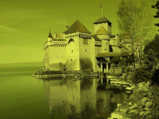 มงโทรซ์, สวิตเซอร์แลนด์: Castle of Chillon - Switzerland