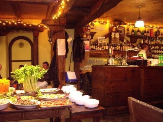 กูร์มาเยอร์, อิตาลี: Beer and appetizer before dinner