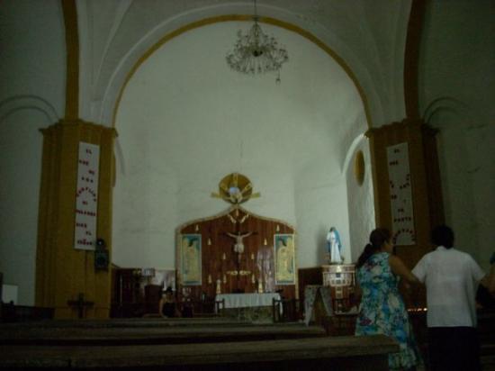 Tuxpan, เม็กซิโก: TEMAPACHE INTERIOR DE LA IGLESIA