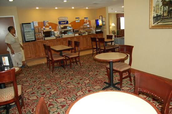 Country Inn & Suites by Carlson, Shelby NC: Breakfast area