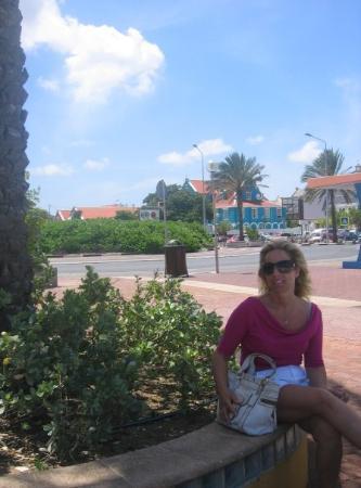 คูราเซา: Itka posing with the wind :)