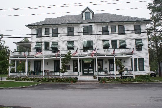 Wellesley Hotel and Restaurant : Welleseley Hotel