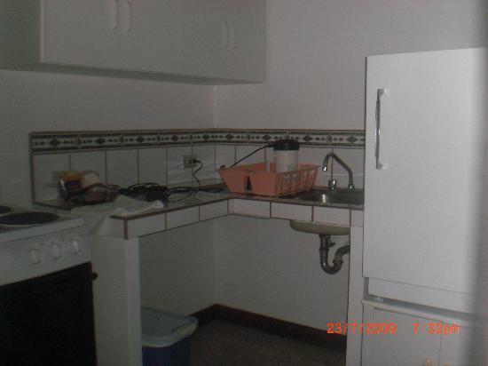 Apartotel Los Yoses Suites: Kitchen Room #8