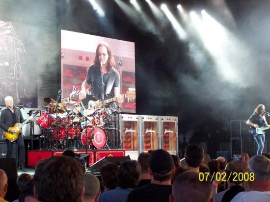 พิตต์สเบิร์ก, เพนซิลเวเนีย: The Band...RUSH...The best damn thing to come out of Canada!!!  Enuff Said!