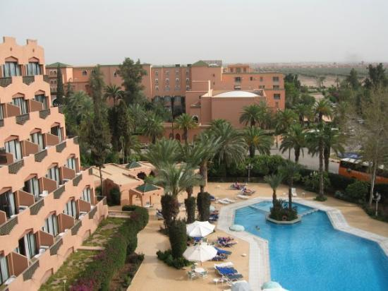 Imperial borj hotel reviews price comparison for Bab hotel marrakech piscine