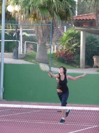 Punta Prima, Spanien: A TENNIS!