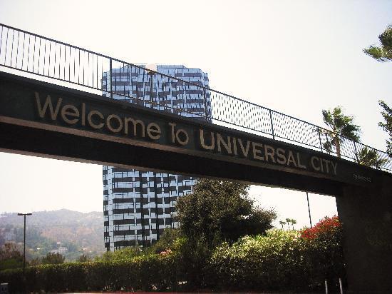 ฮิลตัน ลอสแอนเจลิส/ยูนิเวอร์แซลซิตี้: View of hotel from Universal