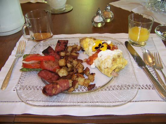 """""""Reflections"""" - A Bed and Breakfast Inn: scruptious breakfast"""