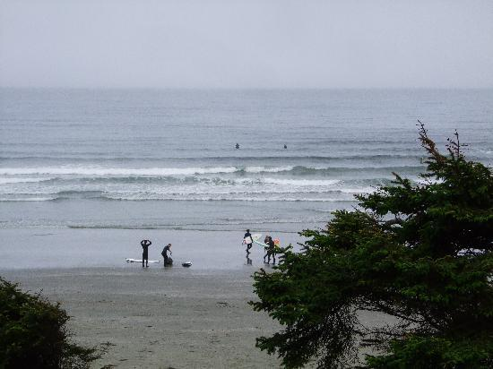 Long Beach Lodge Resort: early morning surfers