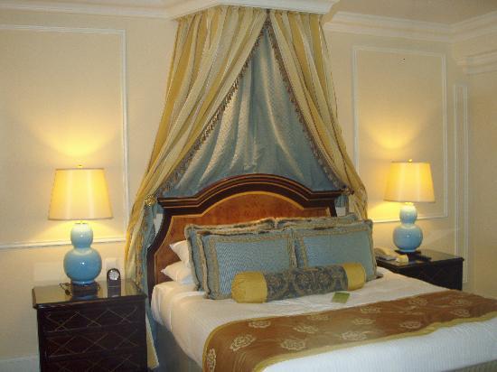 โรงแรมเดอะเวเนเชี่ยน มาเก๊า รีสอร์ท: Fluffy bed