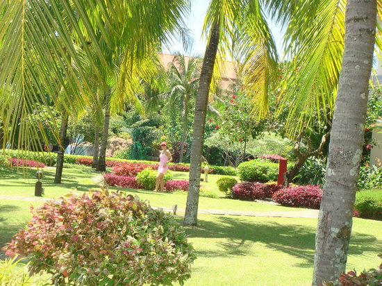 Sutera Harbour Resort (The Pacific Sutera & The Magellan Sutera): what a beautiful gardens