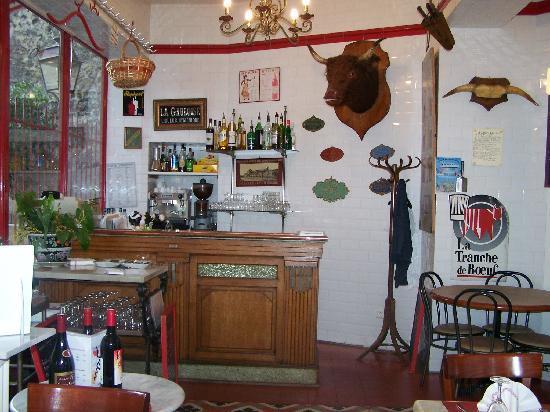 Le Garcon Boucher : Intérieur comptoir