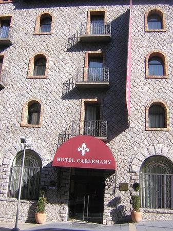 Hotel Spa Termes SERHS Carlemany: Puerta del hotel