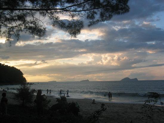 ดาไมบีชรีสอร์ท: Damai beach