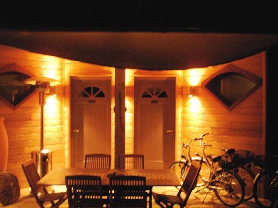 Yamina Lodge : l'entrée des 2 chambres d'hôtes