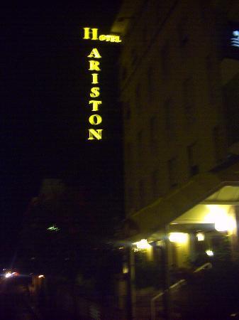 Hotel Ariston: front entrance