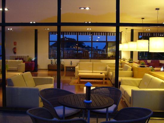 Premier Gran Hotel Reymar & Spa: sala iluminada