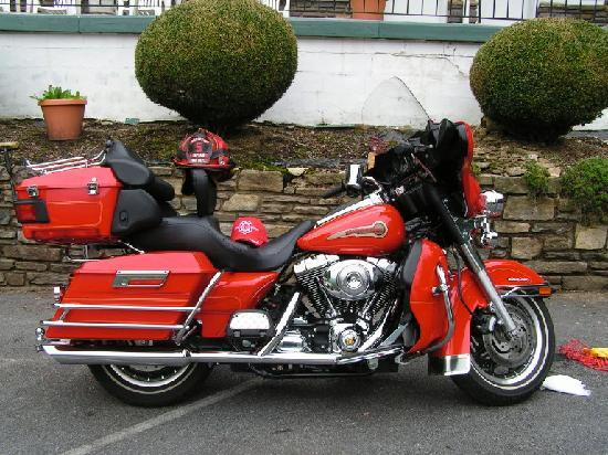 Abbey Inn Motel: my bike in the parking lot