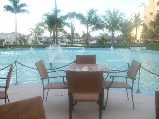 Iberostar Rose Hall Suites: One of the many outdoor seating areas