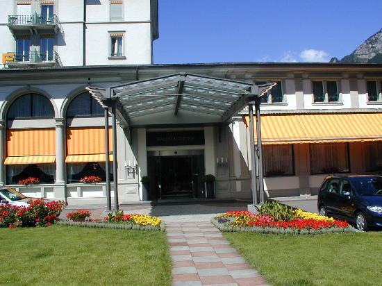 Seehotel Waldstaetterhof Brunnen : Haupteingang