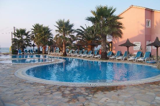 Orestis Apartments: view of pool