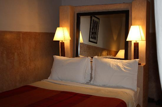 Riad l'Orangeraie: high-ceilings, elegant furnishings and AC!