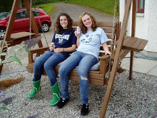 Great Glen Bed and Breakfast: TWO HAPPY TEENAGERS FROM CANADA