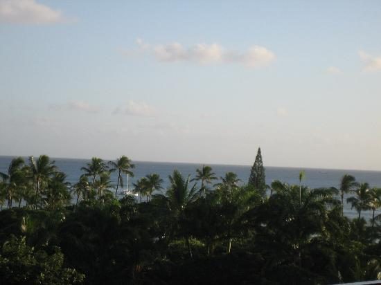 Hale Koa Hotel: View from our balcony 2