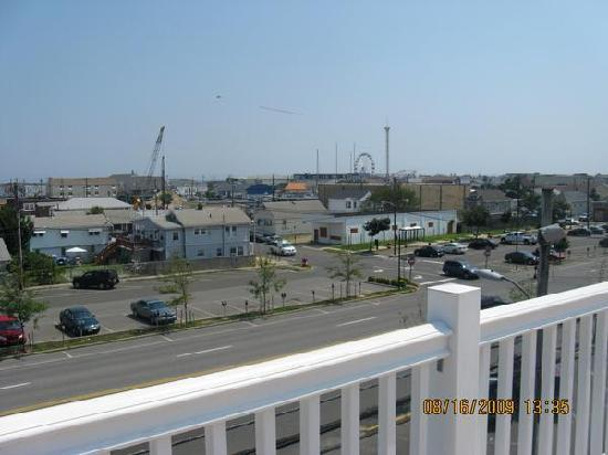 The White Pearl Hotel: veiw from deck
