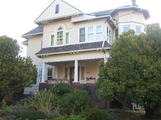 The Corner House: Street View