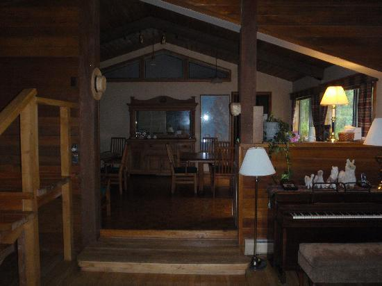 Anderson Creek Lodge: Dining area