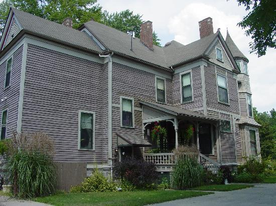 Innisfree Bed and Breakfast: Room for the Family