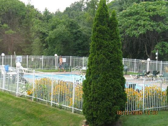Days Inn Nanuet Spring Valley: Pool
