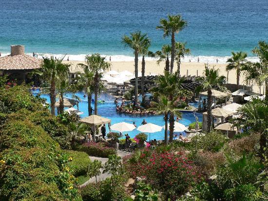 Pueblo Bonito Sunset Beach Golf & Spa Resort: The main pool